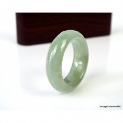 Jadeite Jade Bangle Fei Cui 翡翠 Lavender with spots light green. hand carved 57.5 mm JB411